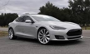 Закажите бесплатный тест драйв Tesla S в один клик